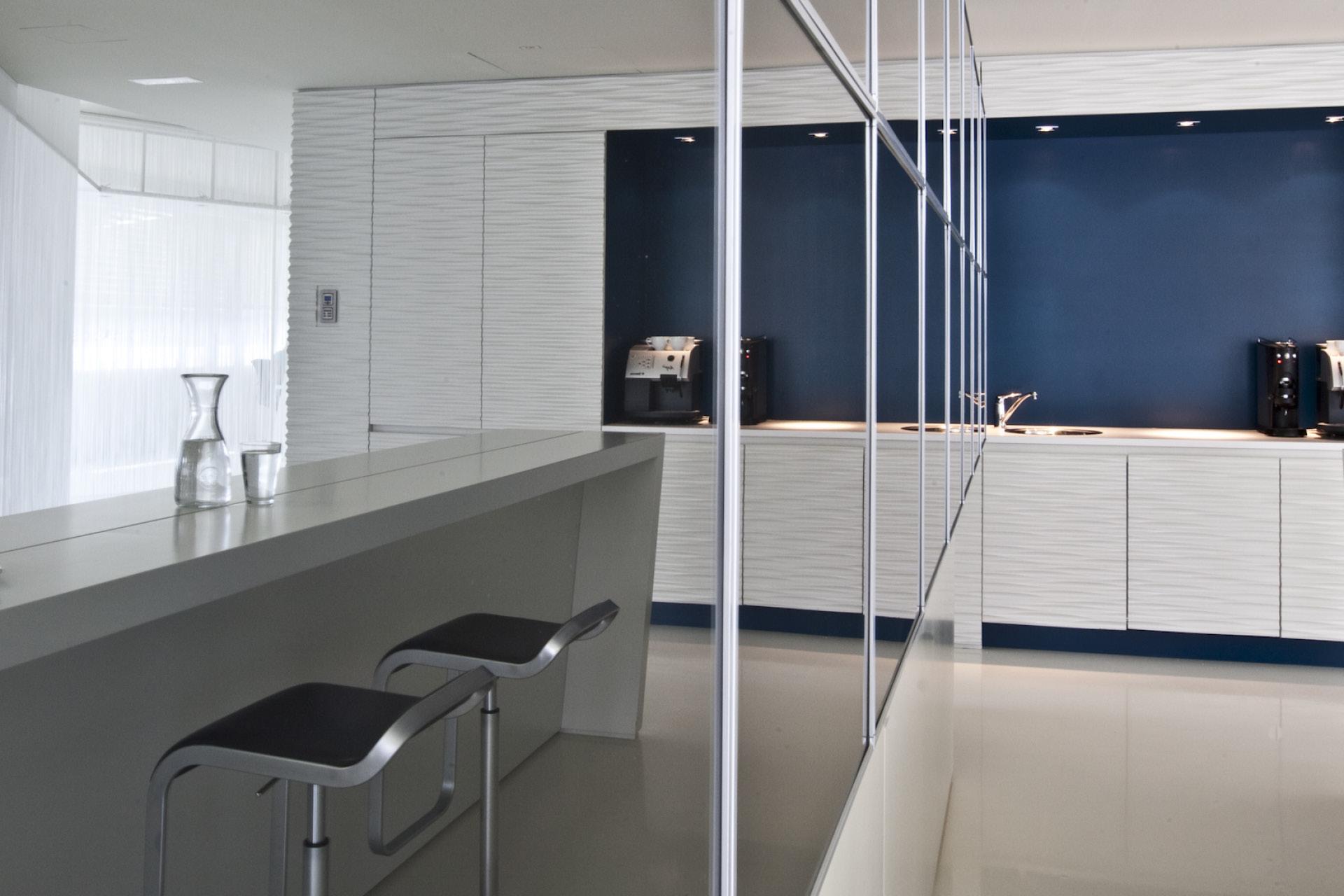 Tischlerei-Decker-Projekte-Rogllivtec-Businessraeume-Aufenthlatsraum