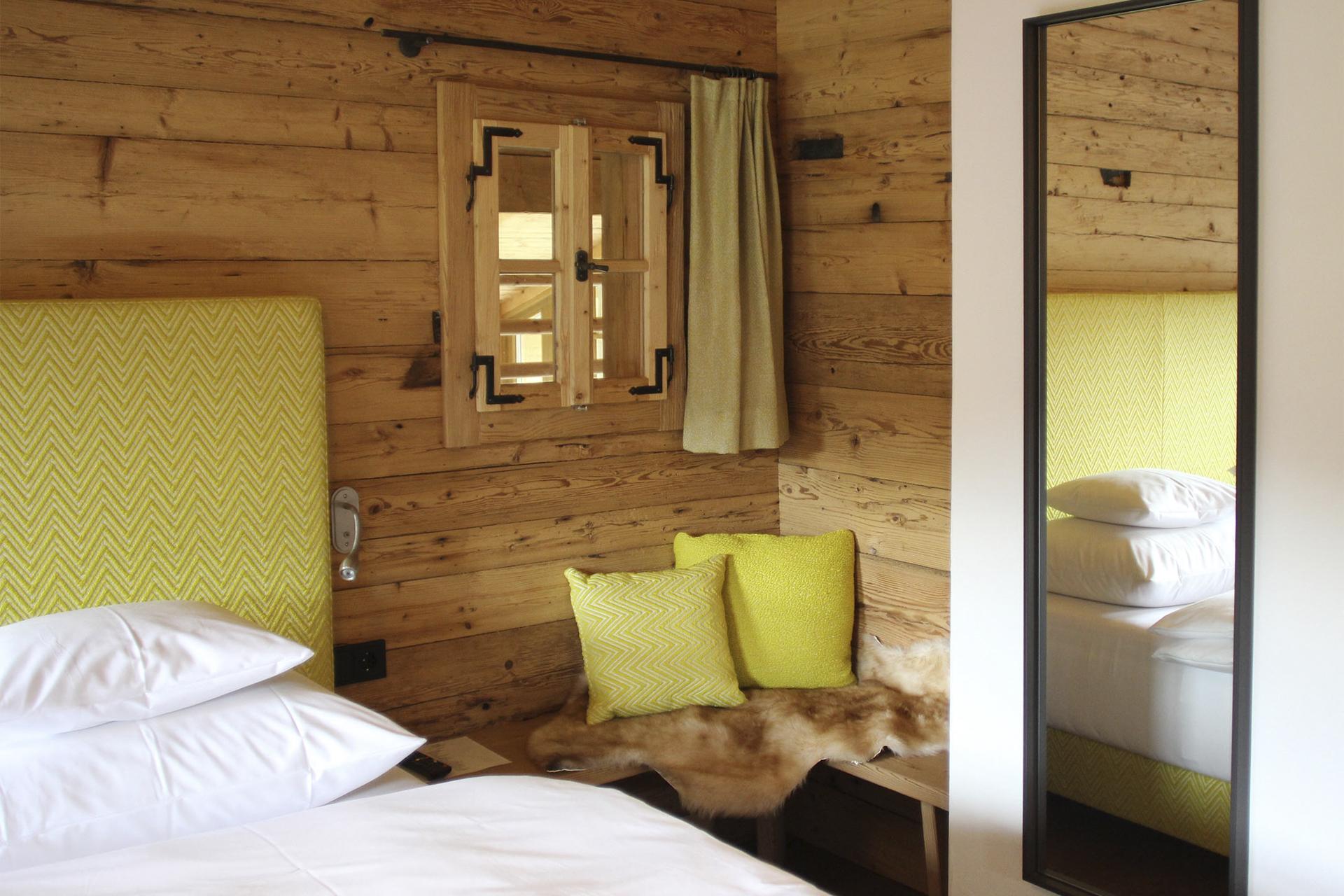 tischlerei-decker-Chalet-Eule-Schlafzimmer-Detail