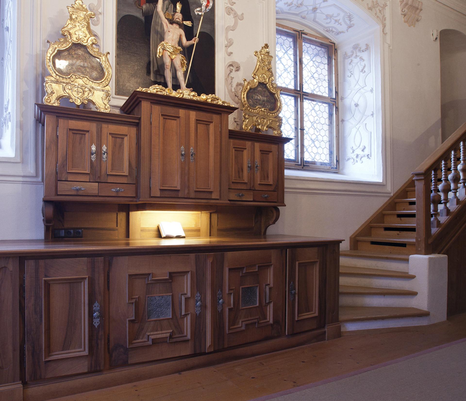 tischlerei-decker-basilika-mariathal-sakristei-kredenz