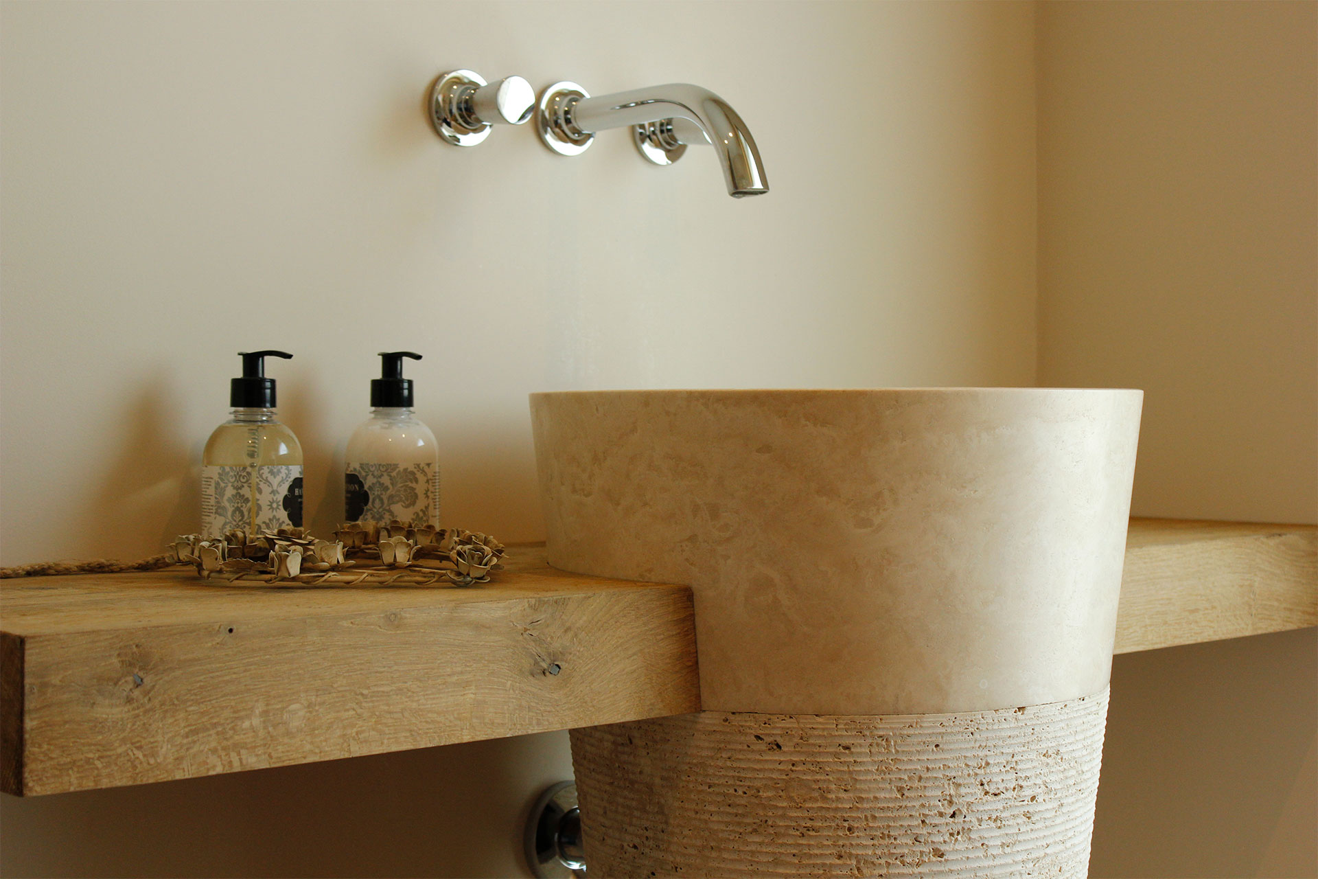 Tischlerei-Decker-Projekte-Wohnung-C-Badezimmer-Waschtisch