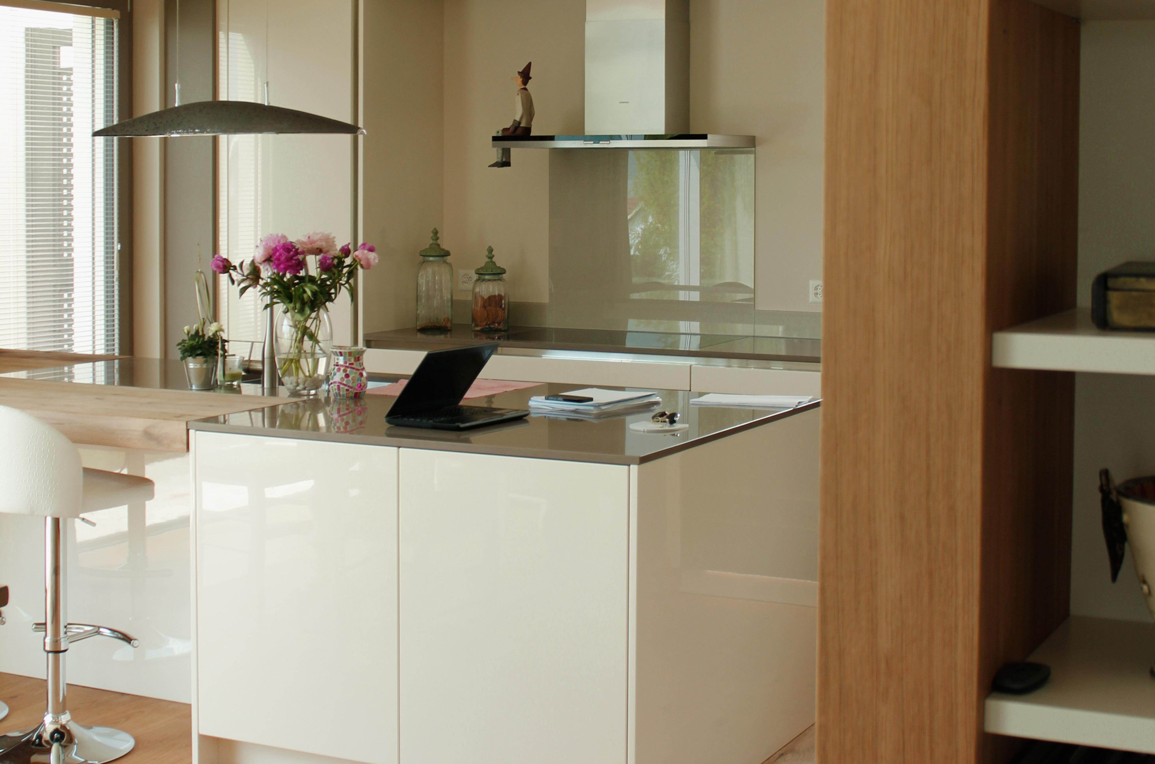 Tischlerei-Decker-Projekte-Wohnung-C-Kueche-Detail