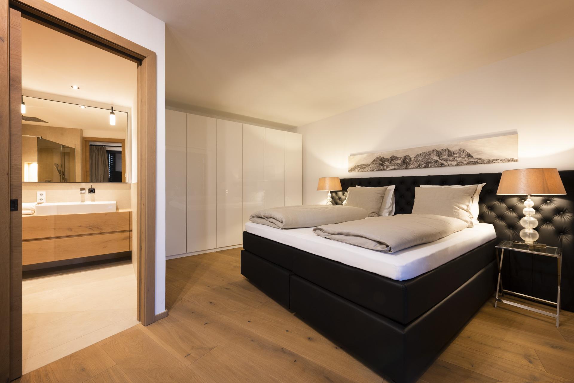 Tischlerei-Decker-Projekte-Wohnung-D-Schlafzimmer-mit-Bad