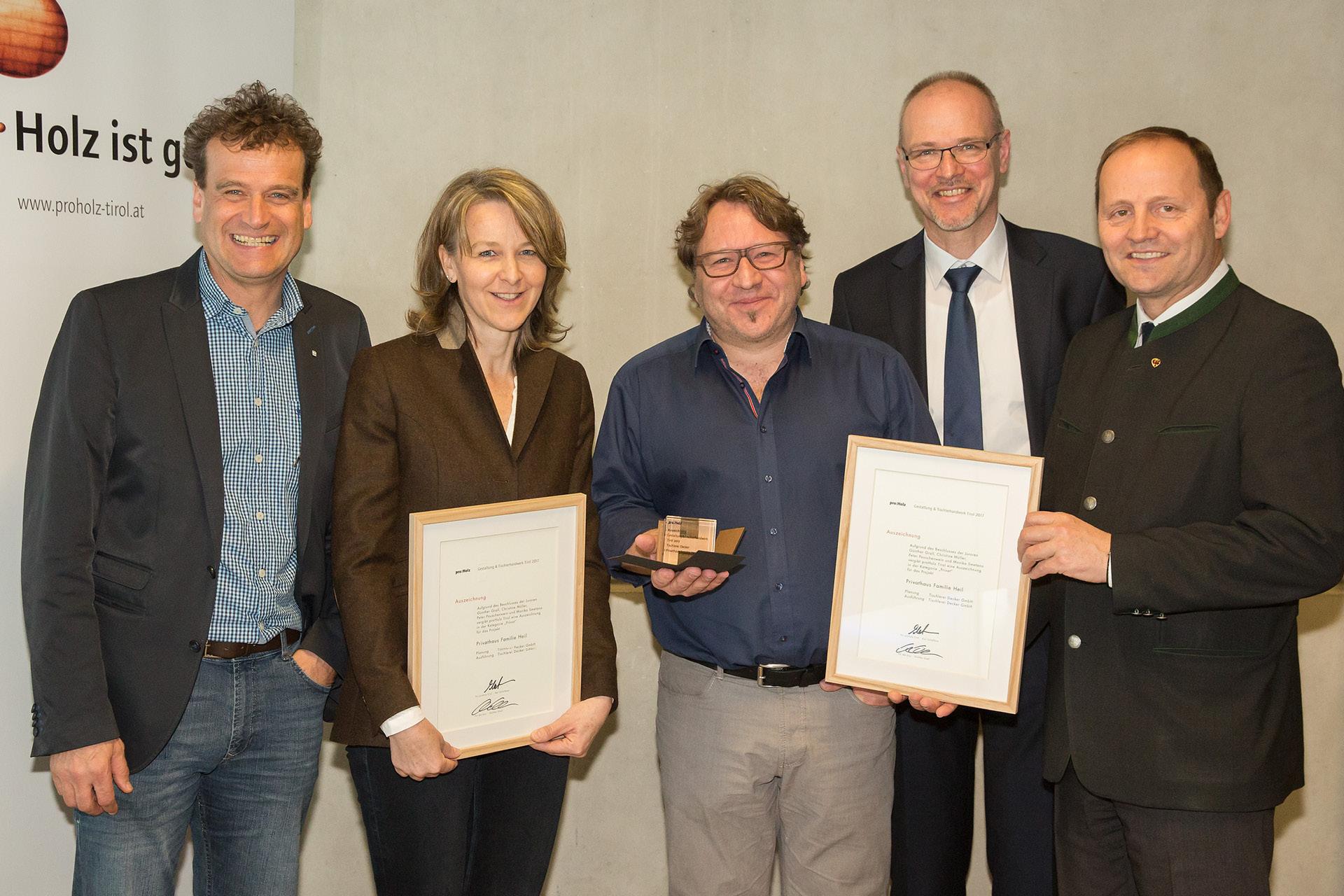 Tischlerei-Decker-Neuigkeiten-Auszeichnung-Gestaltung-und-Tischlerhandwerk-Urkunde