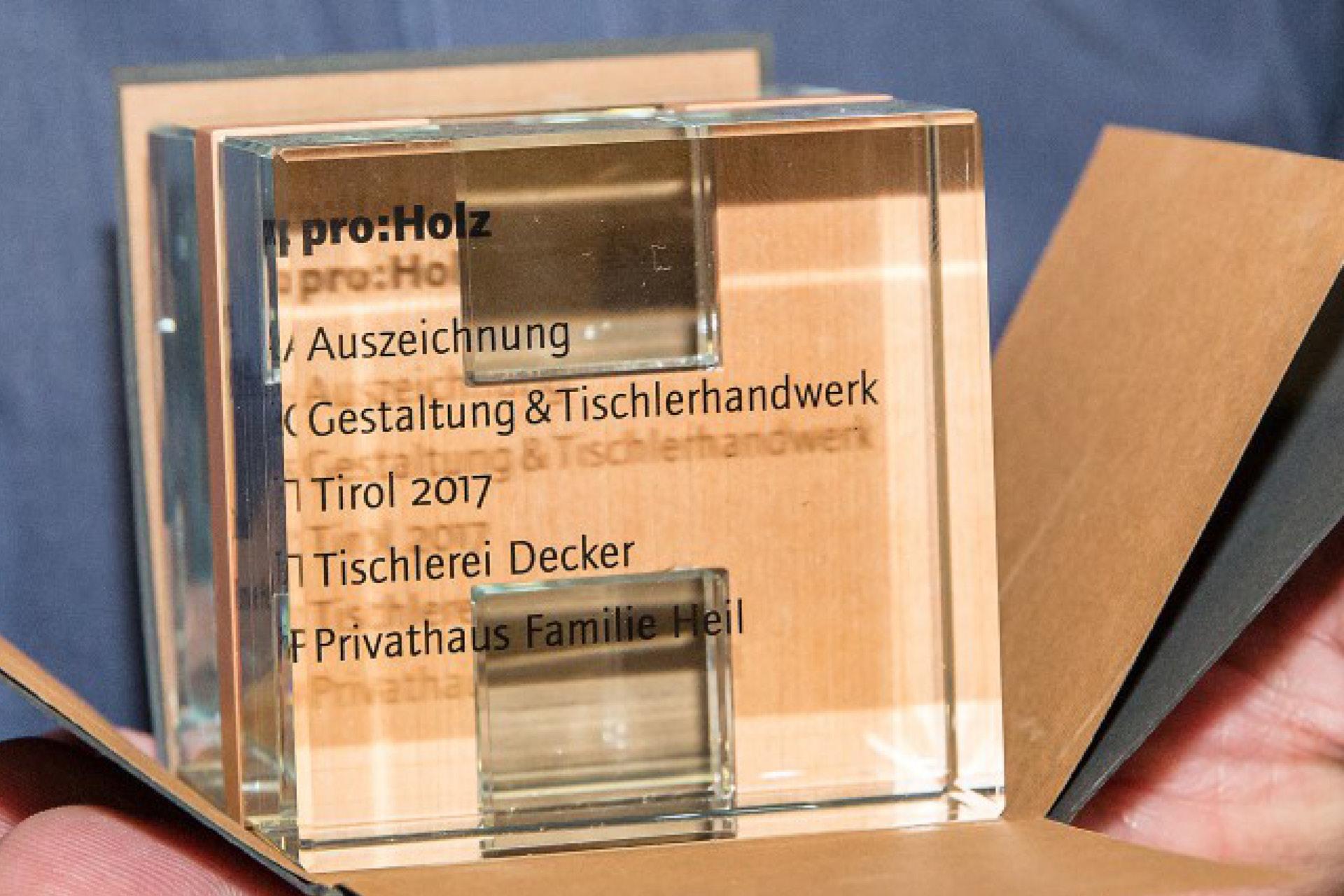Tischlerei-Decker-Neuigkeiten-Auszeichnung-Gestaltung-und-Tischlerhandwerk-pro-Holz