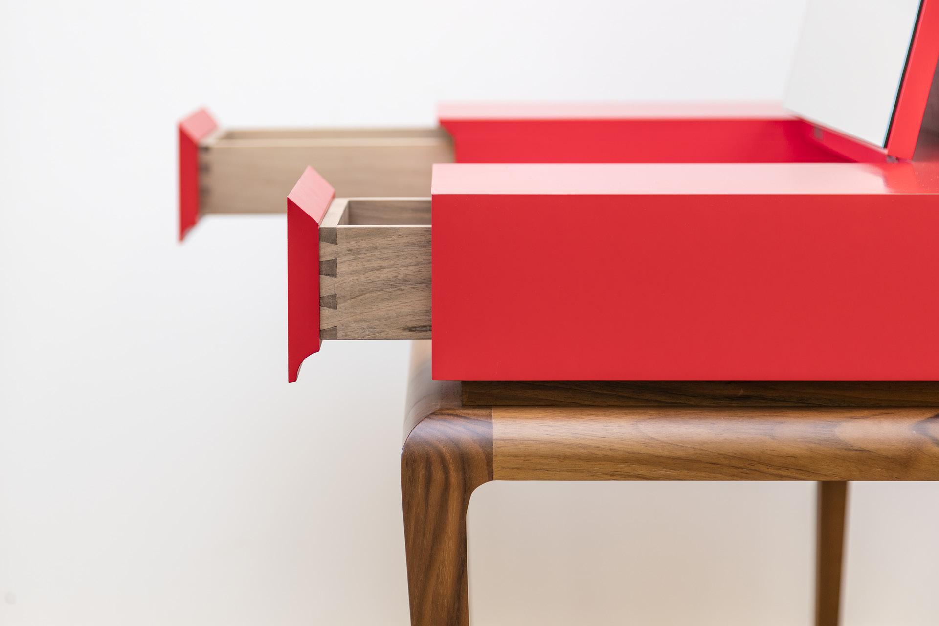 Tischlerei-Decker-Neuigkeiten-Auszeichnung-Gestaltung-und-Tischlerhandwerk2017-Art-Deco-Tisch-Schubladen