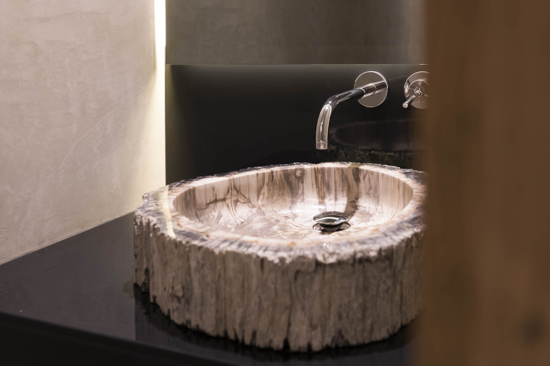 Tischlerei-Decker-Projekte-Wohnung-F-Badezimmer-Waschtisch