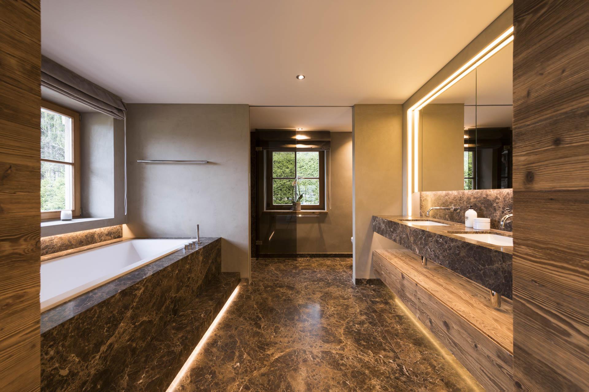 Tischlerei-Decker-Projekte-Wohnung-F-Marmorbadezimmer
