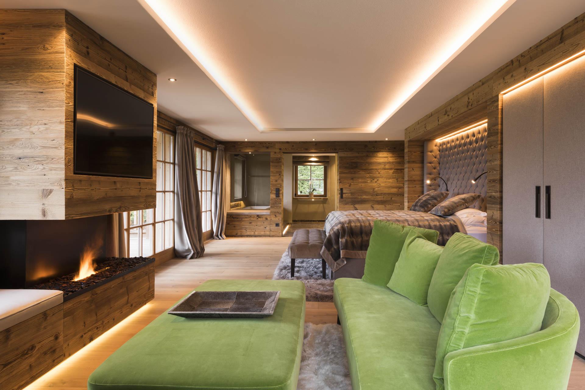 Tischlerei-Decker-Projekte-Wohnung-F-Schlafzimmer-mit-Wohnbereich