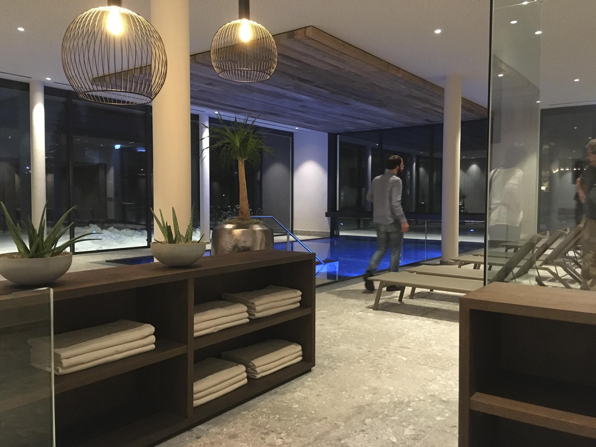tischlerei-decker-Hotel-der-Baer-Pool