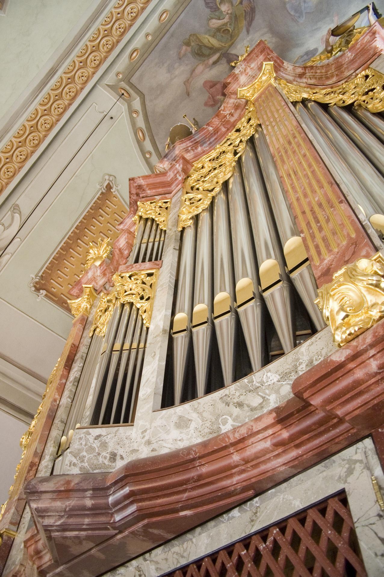 tischlerei-decker-Orgel-Hopfgarten-orgelpfeifen-detail
