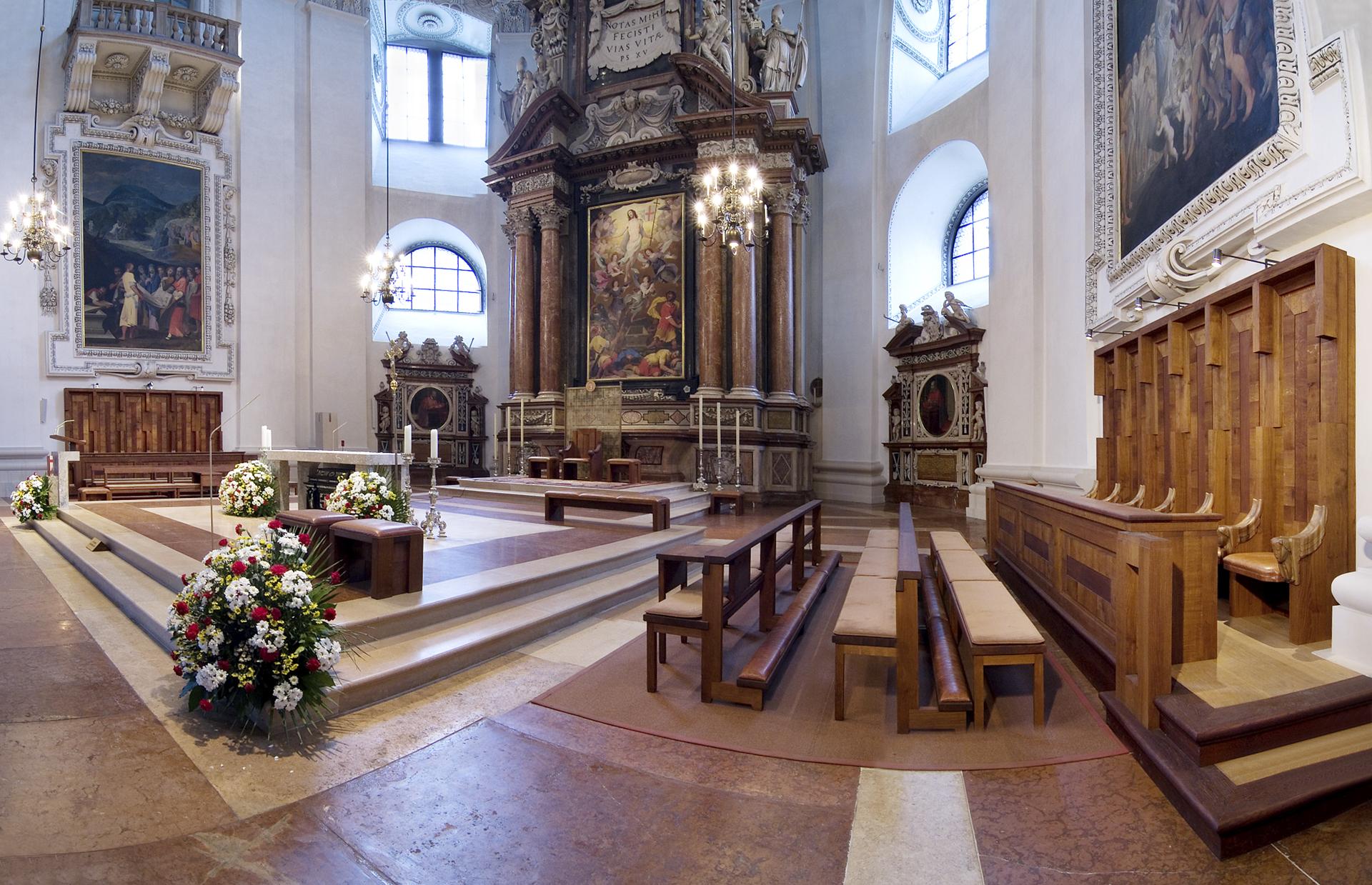 tischlerei-decker-dom-salzburg-chorstuhl-uebersicht