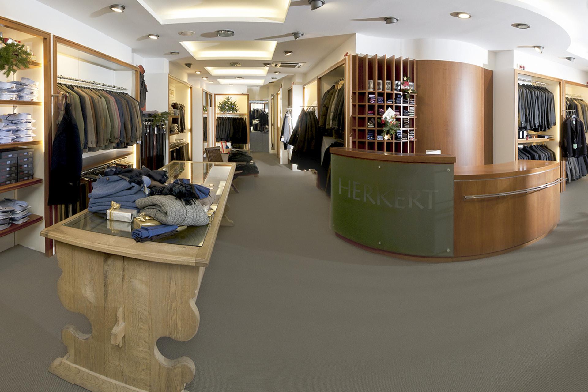 tischlerei-decker-meisterbetrieb-tirol-herkert-shop-interior