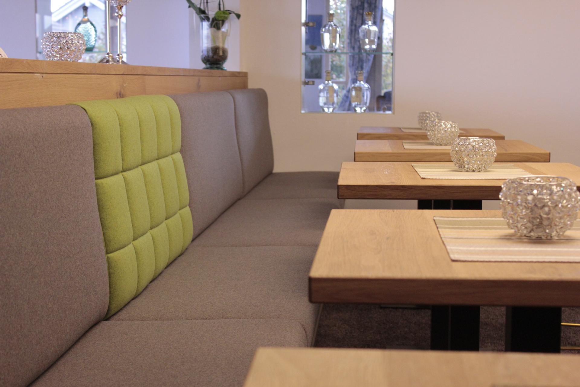 tischlerei-decker-hotel-schoenbuch-restaurant-sitzbank
