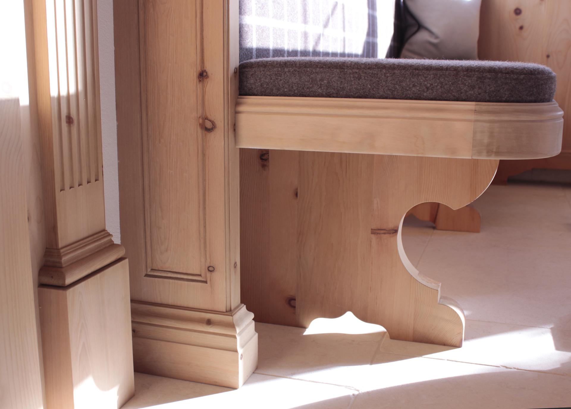 tischlerei-decker-laerchenhof-fruehstuecksraum-detail