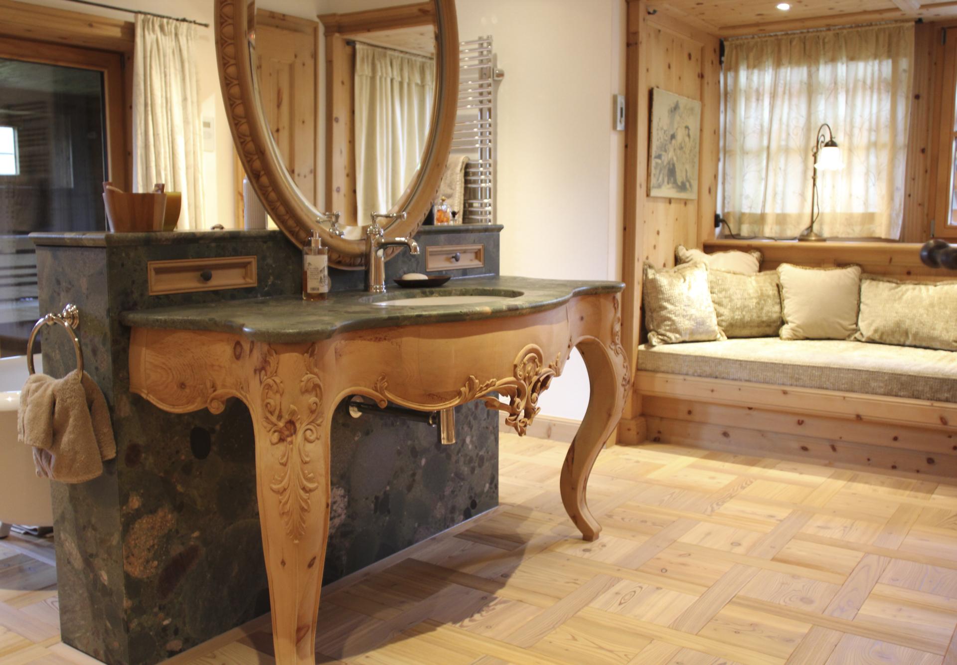 tischlerei-decker-landhaus-bayern-waschtisch-badezimmer