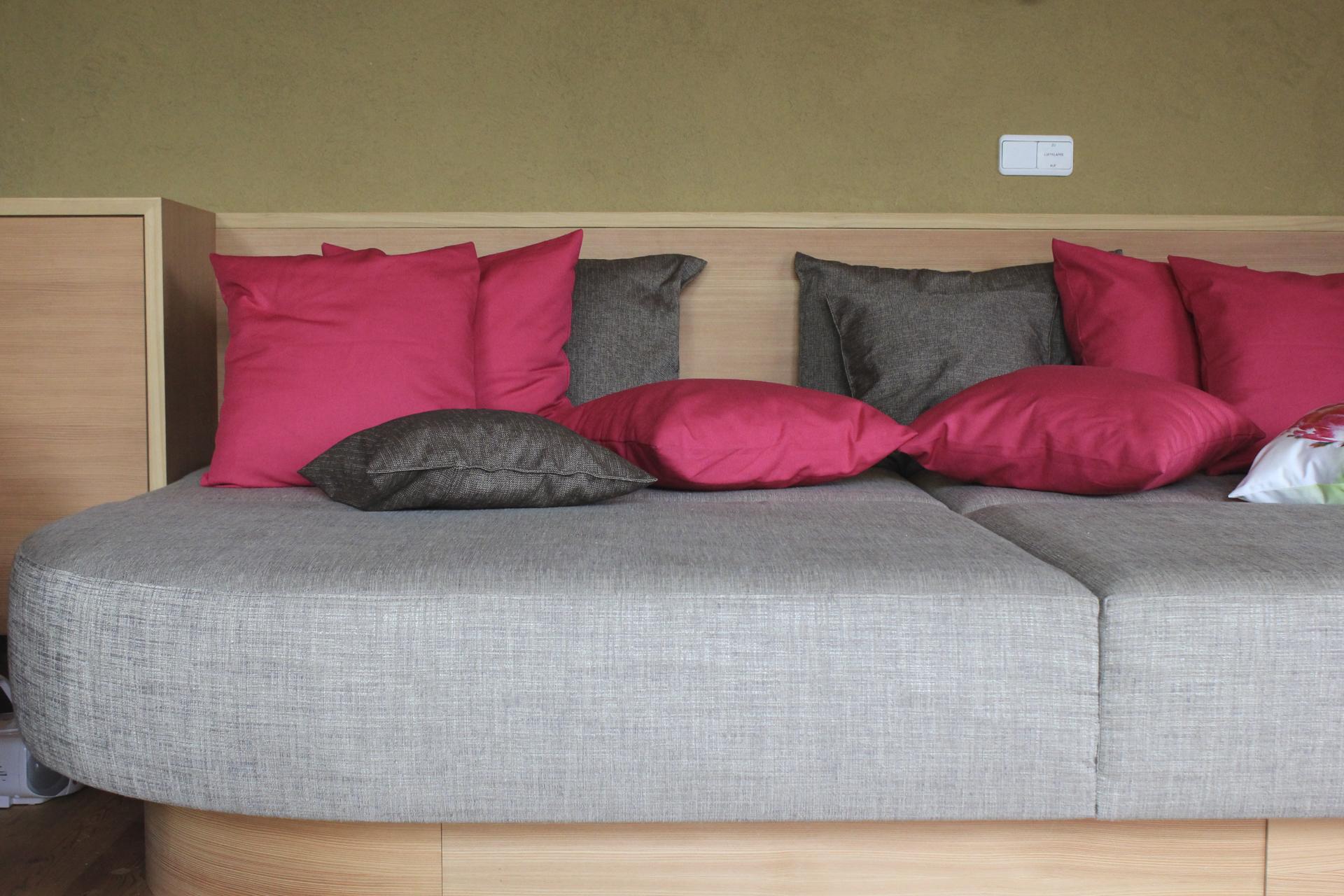 tischlerei-decker-wohnhaus-hofpgarten-interior-liegeflaeche