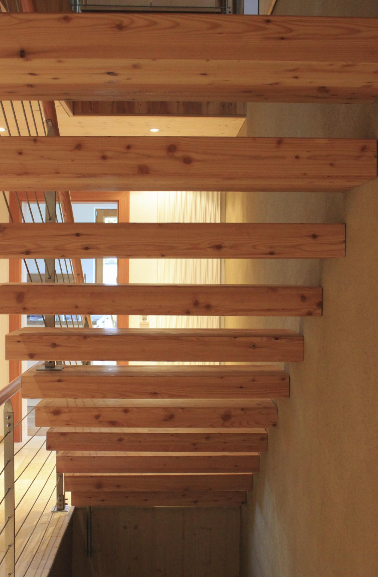 tischlerei-decker-wohnhaus-hofpgarten-interior-treppe