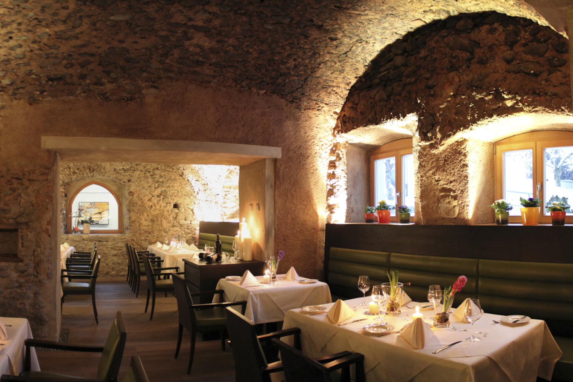 tischlerei-decker-meistertischlerei-oesterreich-zeitlos-restaurant